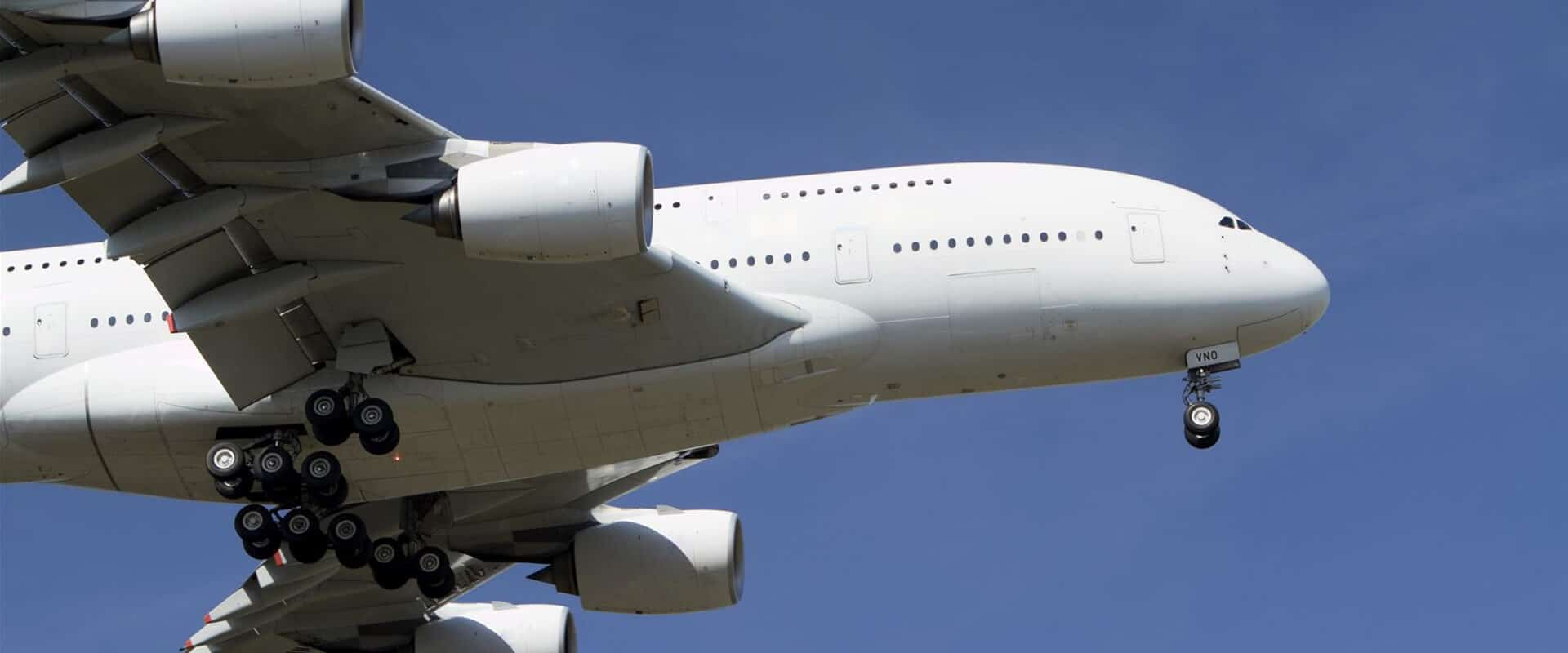 3. Commercial and Millitairy Aircraft - Market - thumb